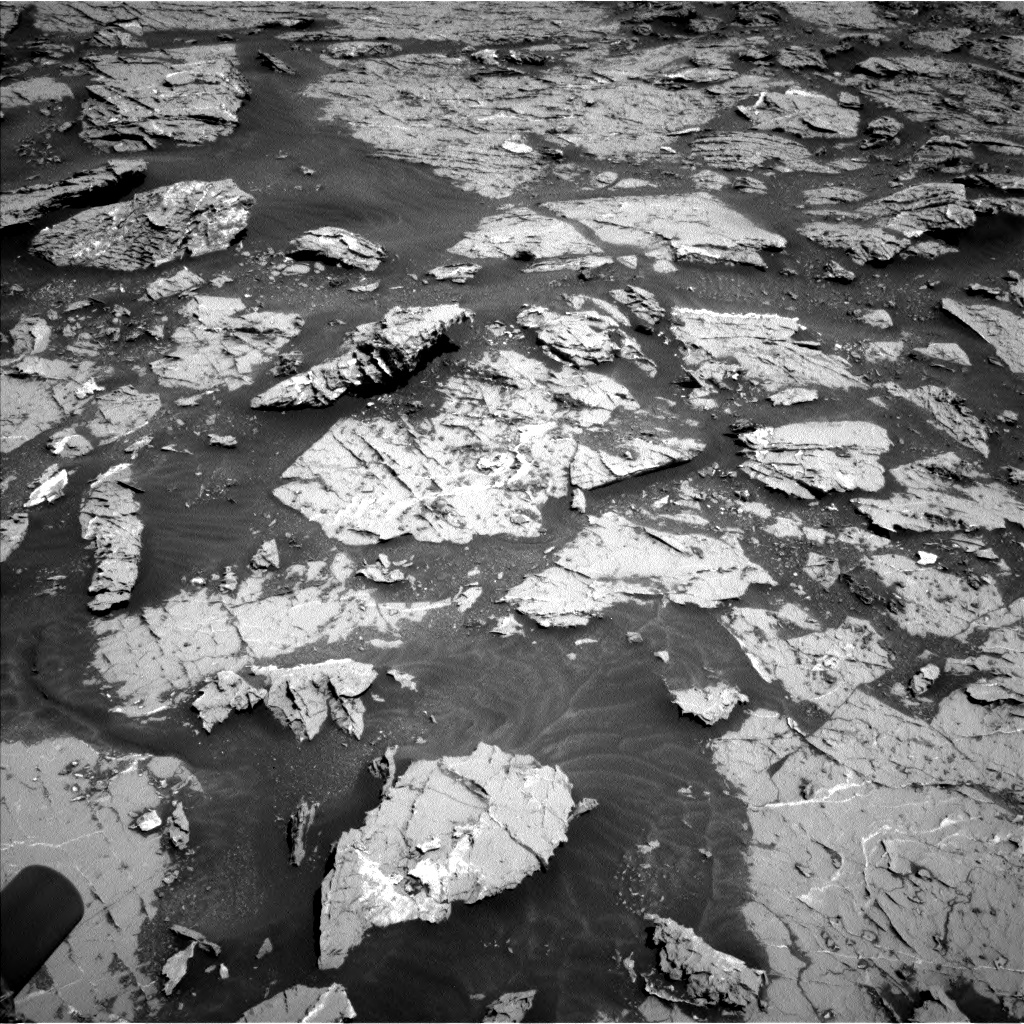 Nasa's Mars rover Curiosity acquired this image using its Left Navigation Camera on Sol 3154, at drive 586, site number 89