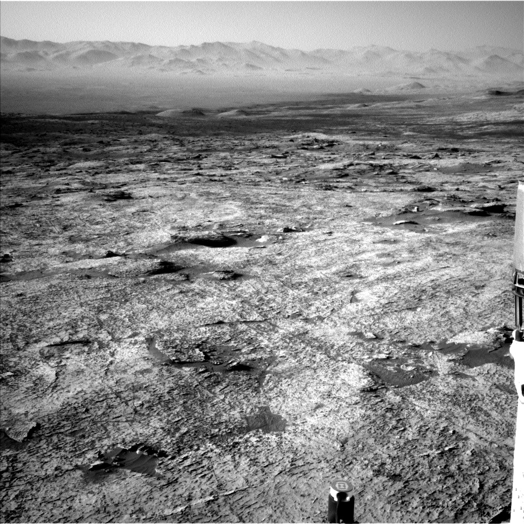 Nasa's Mars rover Curiosity acquired this image using its Left Navigation Camera on Sol 3156, at drive 1082, site number 89