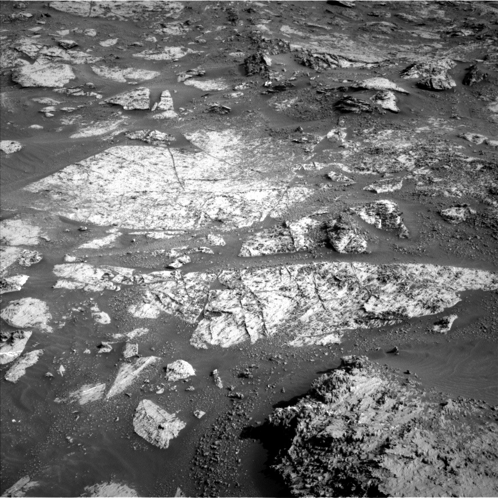 Nasa's Mars rover Curiosity acquired this image using its Left Navigation Camera on Sol 3165, at drive 1992, site number 89