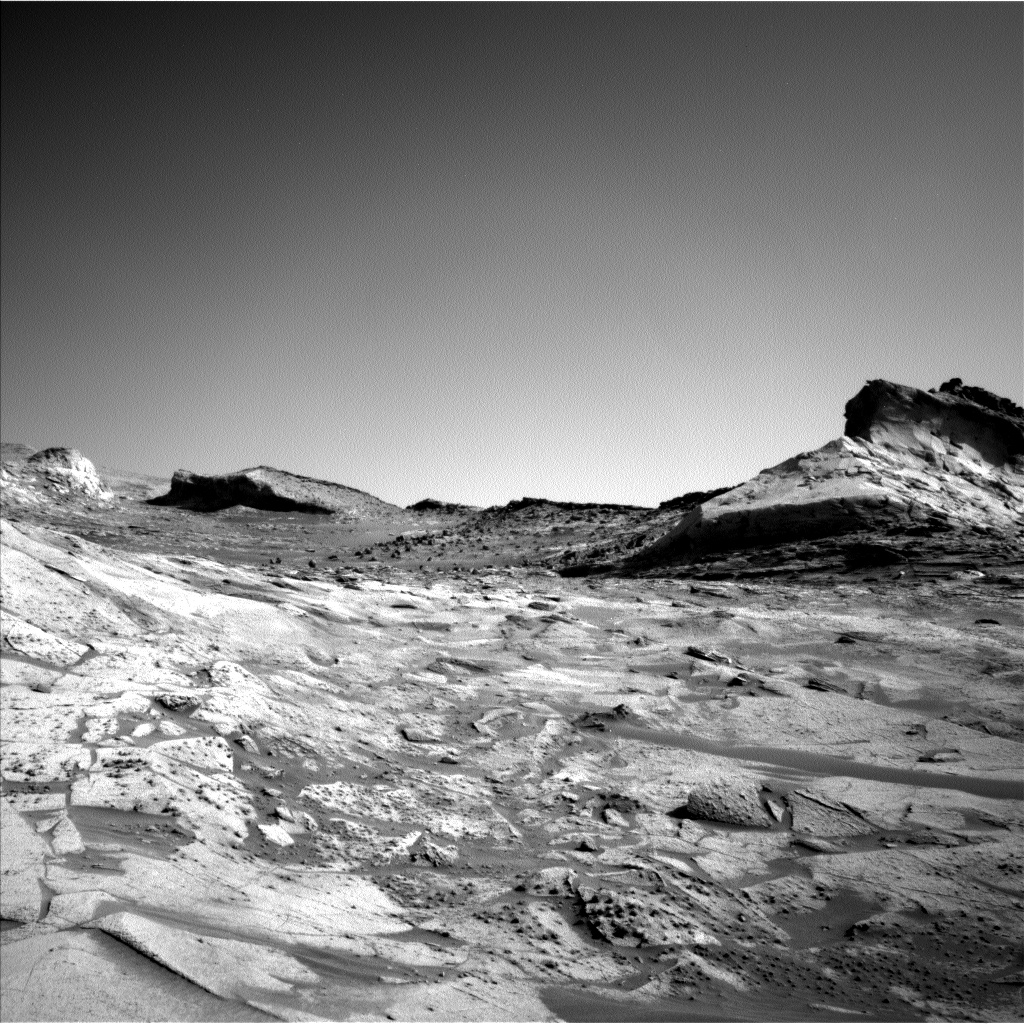 Nasa's Mars rover Curiosity acquired this image using its Left Navigation Camera on Sol 3222, at drive 390, site number 91