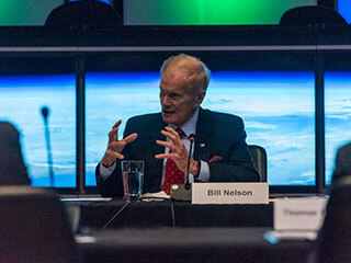Read more on NASA Leadership Visits JPL, Discusses Climate Change and Mars