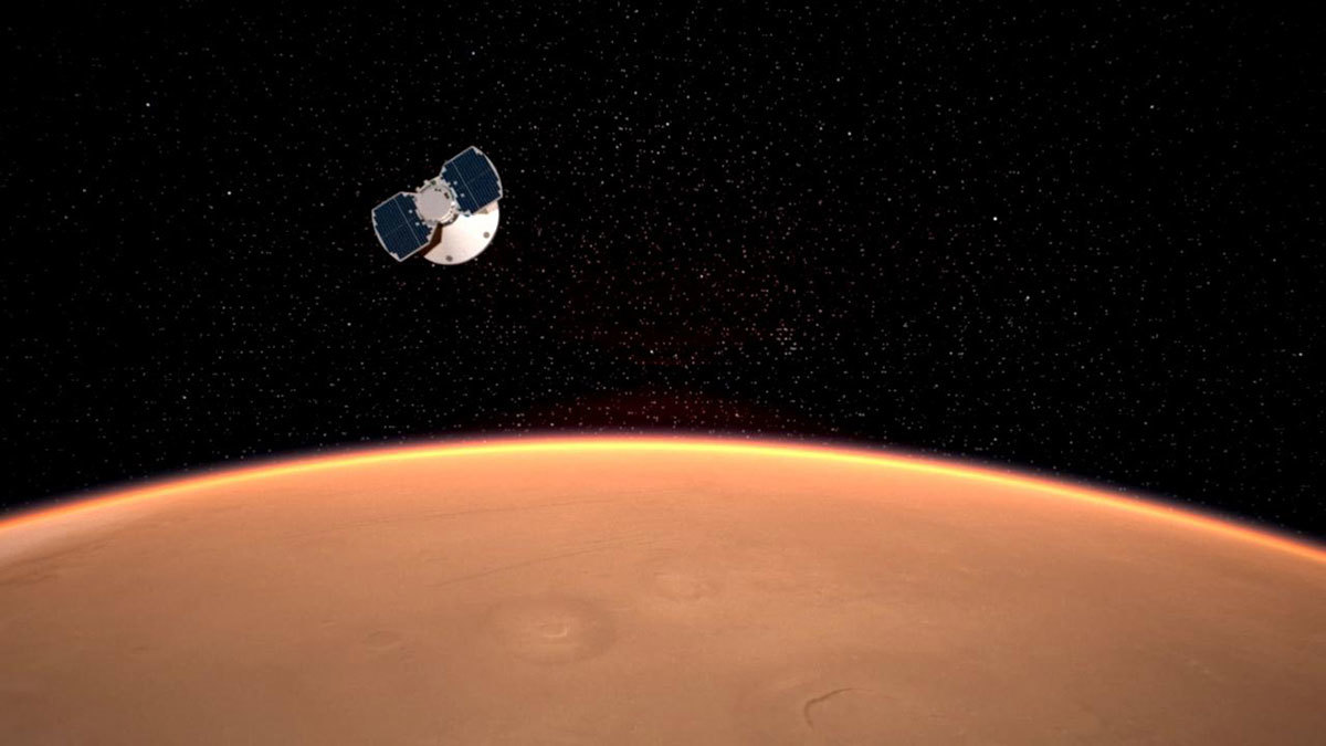 The InSight spacecraft approaches Mars in this artist's concept.