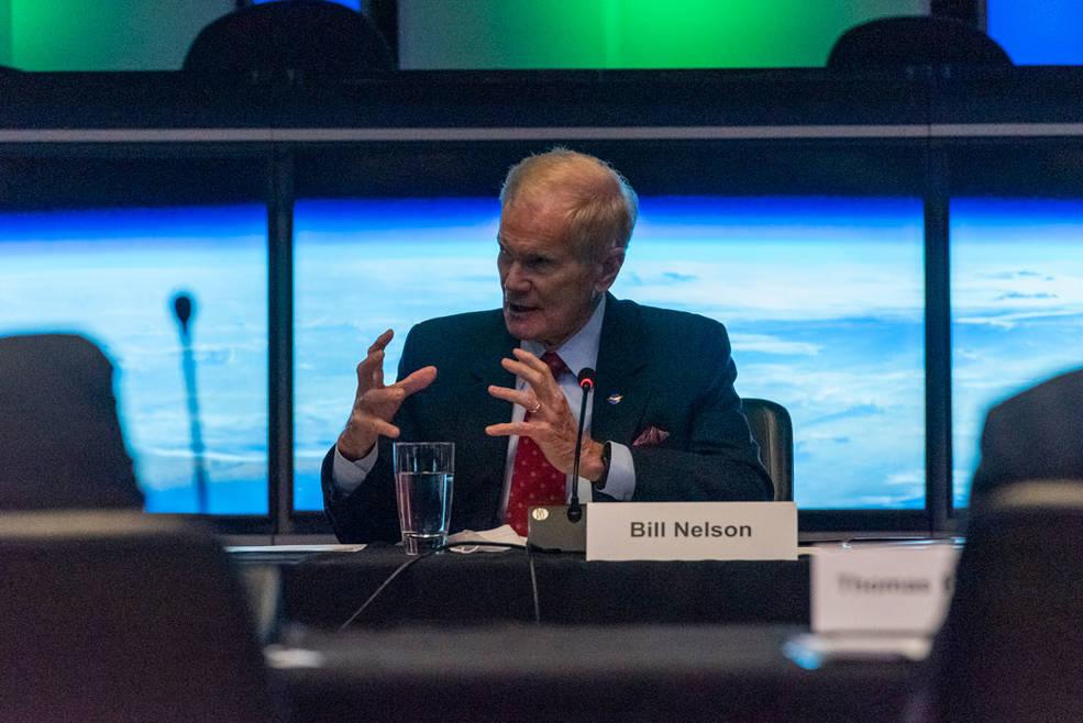 NASA Leadership Visits JPL, Discusses Climate Change and Mars