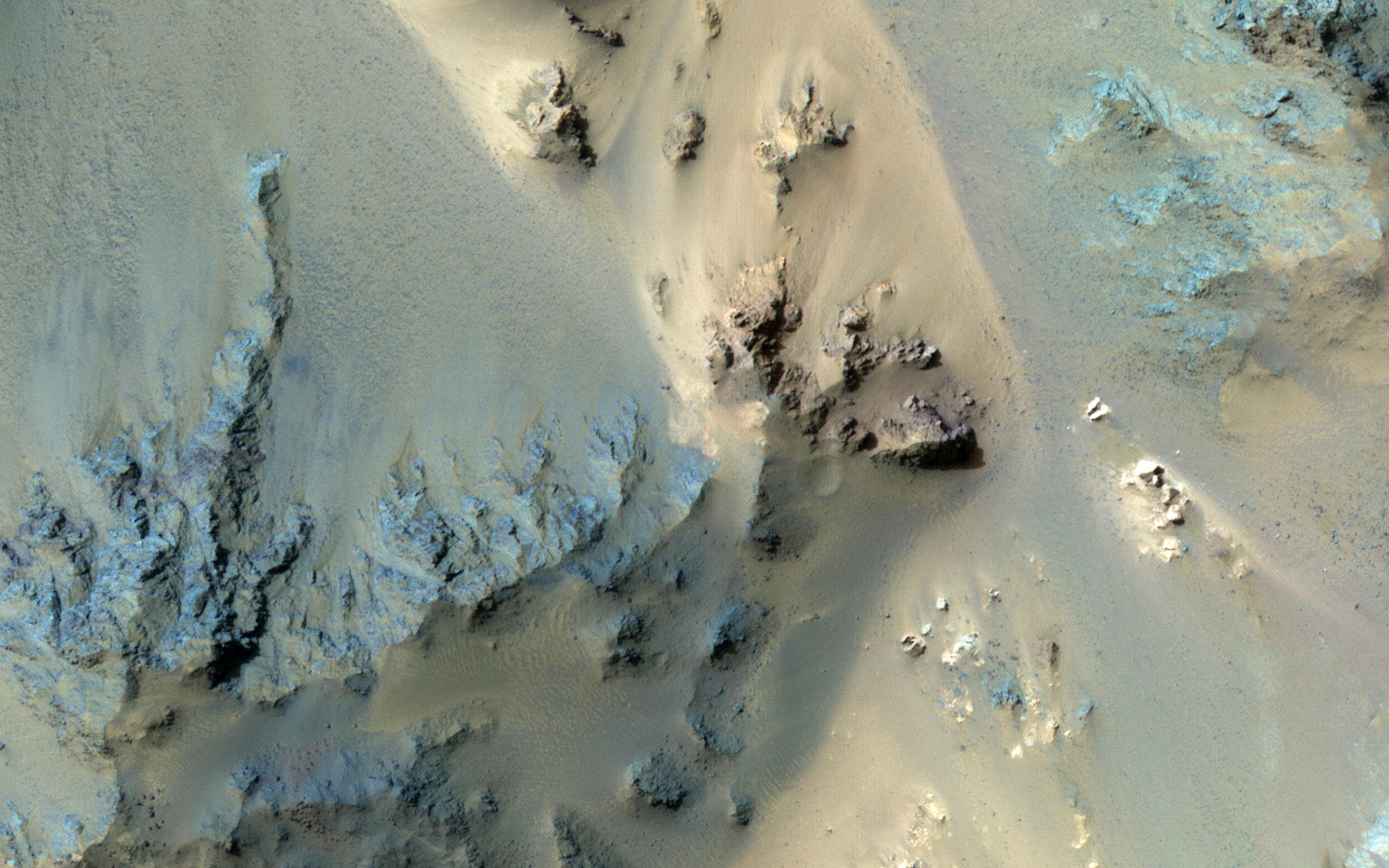 This image acquired on January 27, 2019 by NASAs Mars Reconnaissance Orbiter, shows the extensive central peak complex of Hale Crater.