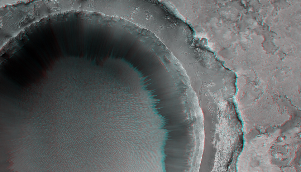 This image is located within Northern Sinus Meridiani, a region of ridged terrains and extensive stratigraphic layering.