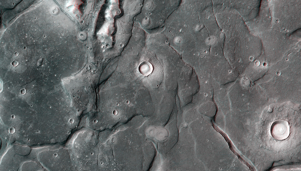 Cydonia Labyrinthus is a complex of intersecting valleys that form a polygonal fractured terrain.