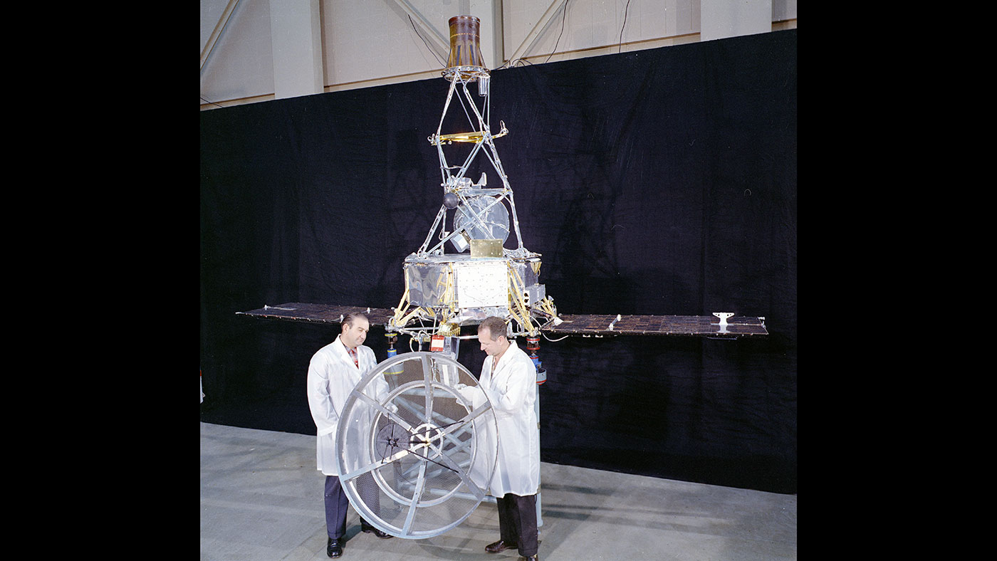 Mariner 1 in JPL's Spacecraft Assembly Facility
