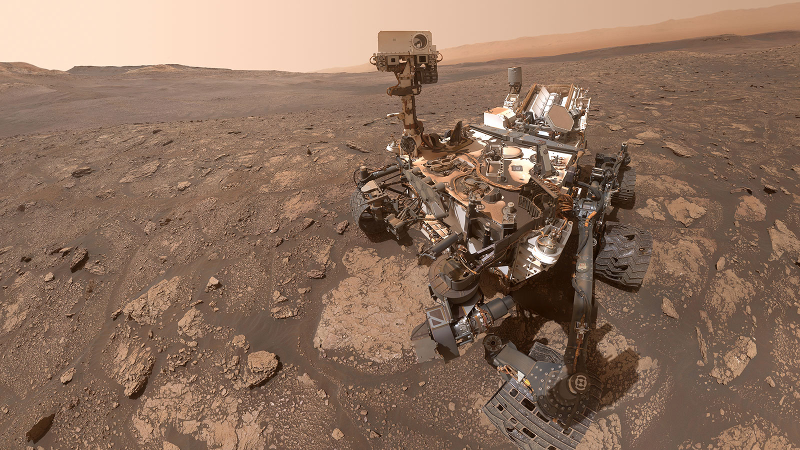 Curiosity rover takes a selfie
