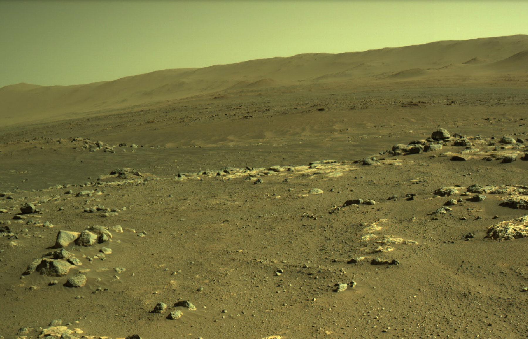 Mars 2020 (Perseverance - Ingenuity) : exploration du cratère Jezero - Page 18 26034_Perseverance-Looks-Out-Over-Seitah