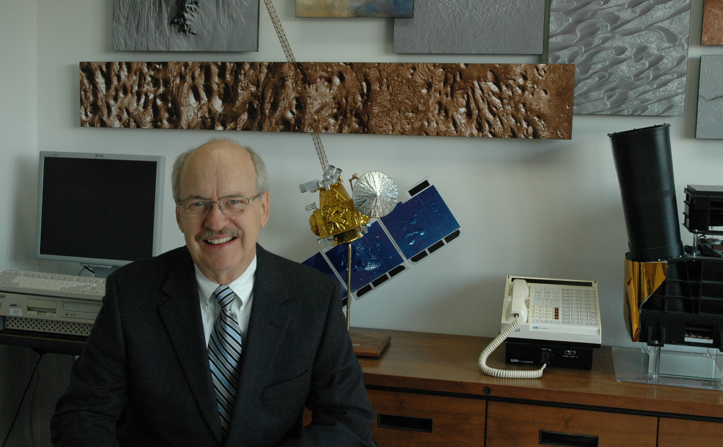 Mars Odyssey Project Manager Gaylon McSmith, of NASA's Jet Propulsion Laboratory