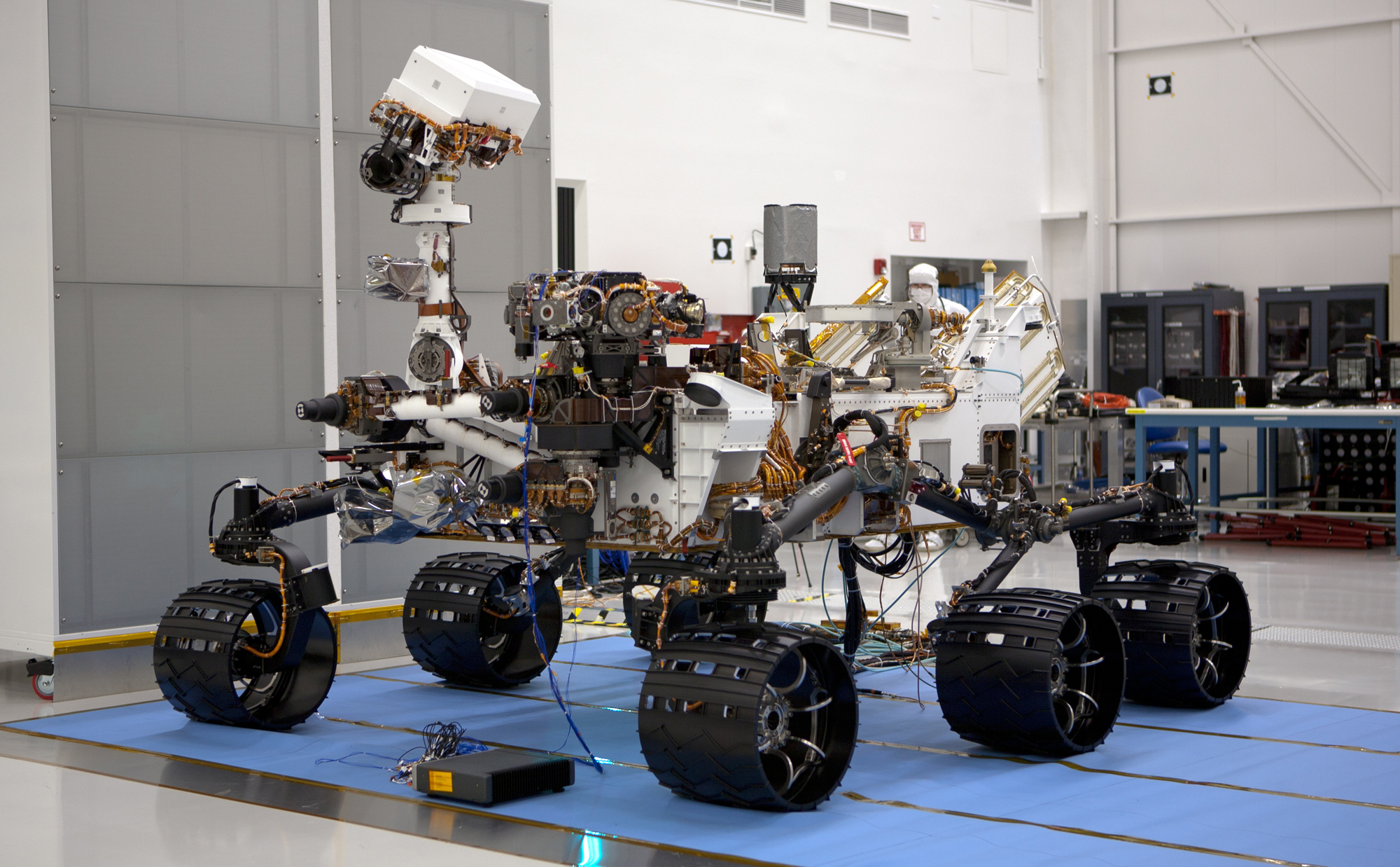 This is the left-eye member of a stereo pair of images of the Mars Science Laboratory mission's rover, Curiosity.