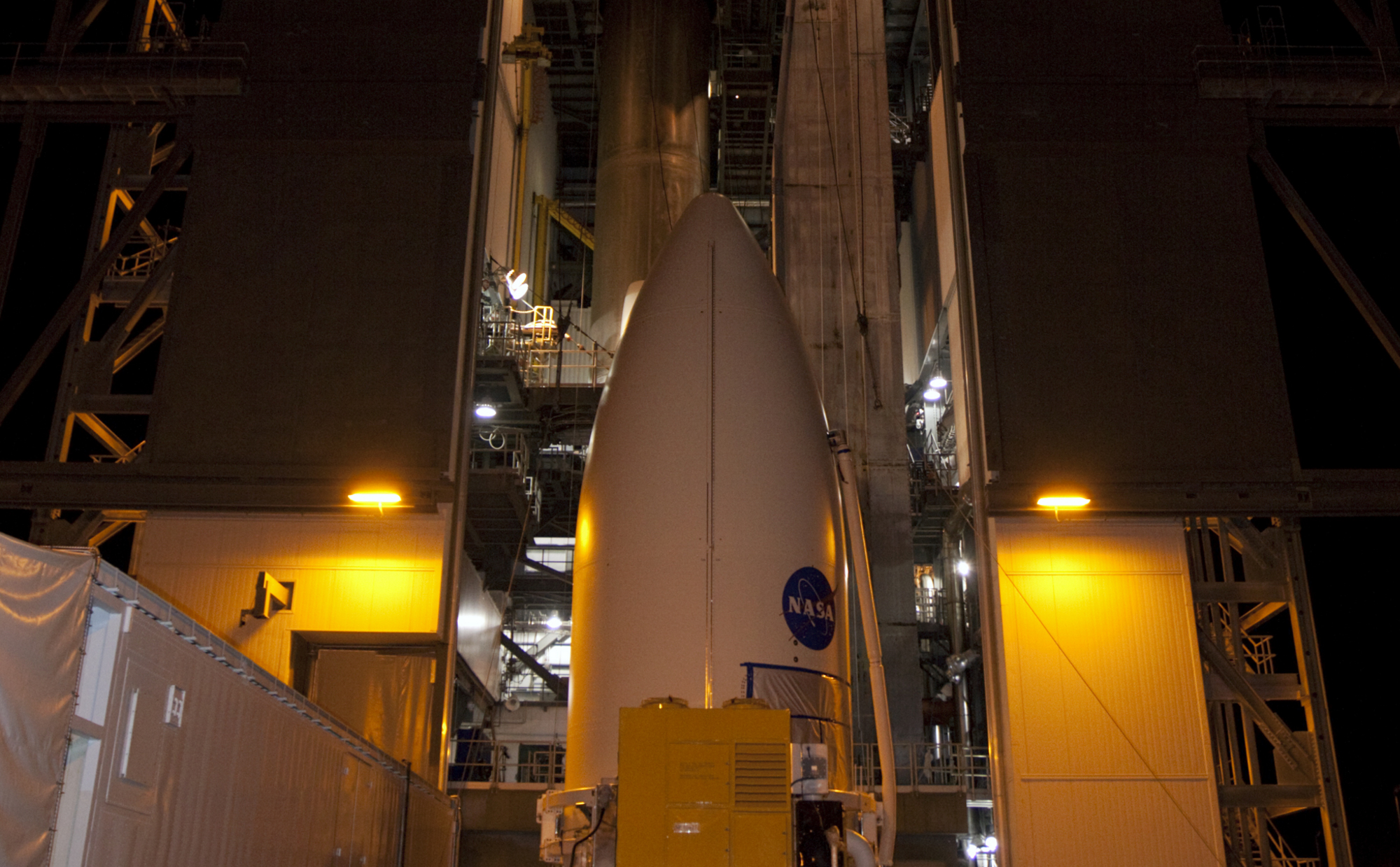 The payload fairing containing NASA's Mars Science Laboratory (MSL) spacecraft arrives at the Vertical Integration Facility at Space Launch Complex 41 at Cape Canaveral Air Force Station in Florida.