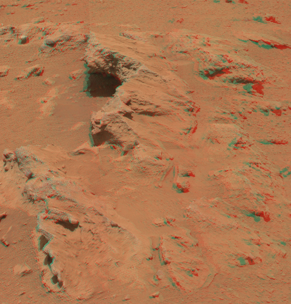 "This stereo image from the Mast Camera (Mastcam) on NASA's Mars rover Curiosity shows a rock outcrop called ""Hottah,"" cited as evidence for vigorous flow of water in a long-ago Martian stream."