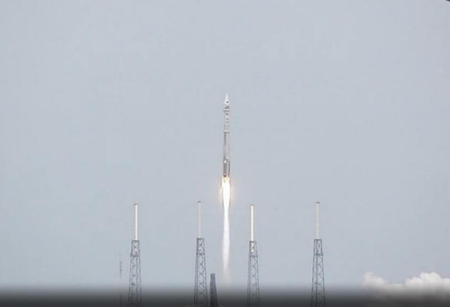 MAVEN Launches.