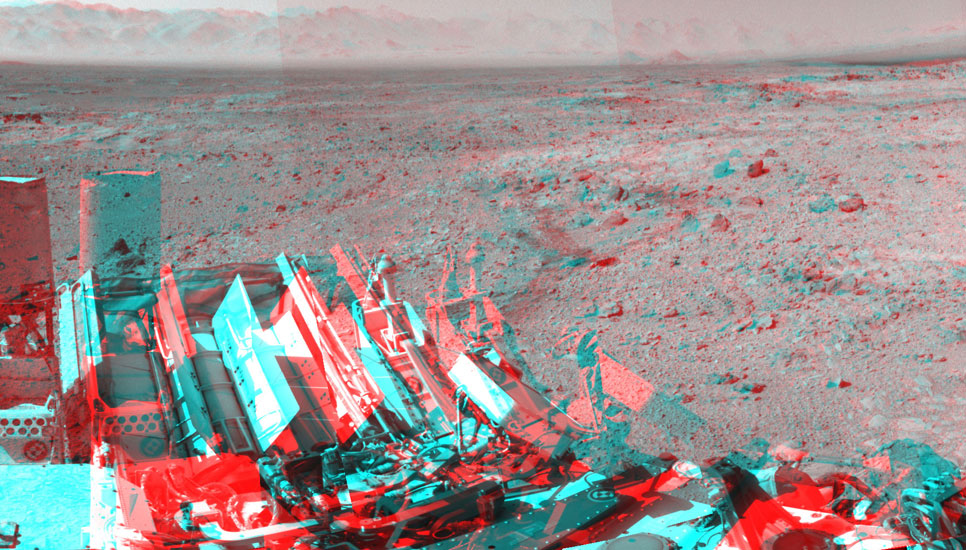 NASA's Mars rover Curiosity captured this stereo view using its Navigation Camera (Navcam) after a 17-foot (5.3 meter) drive on 477th Martian day, or sol, of the rover's work on Mars (Dec. 8, 2013).