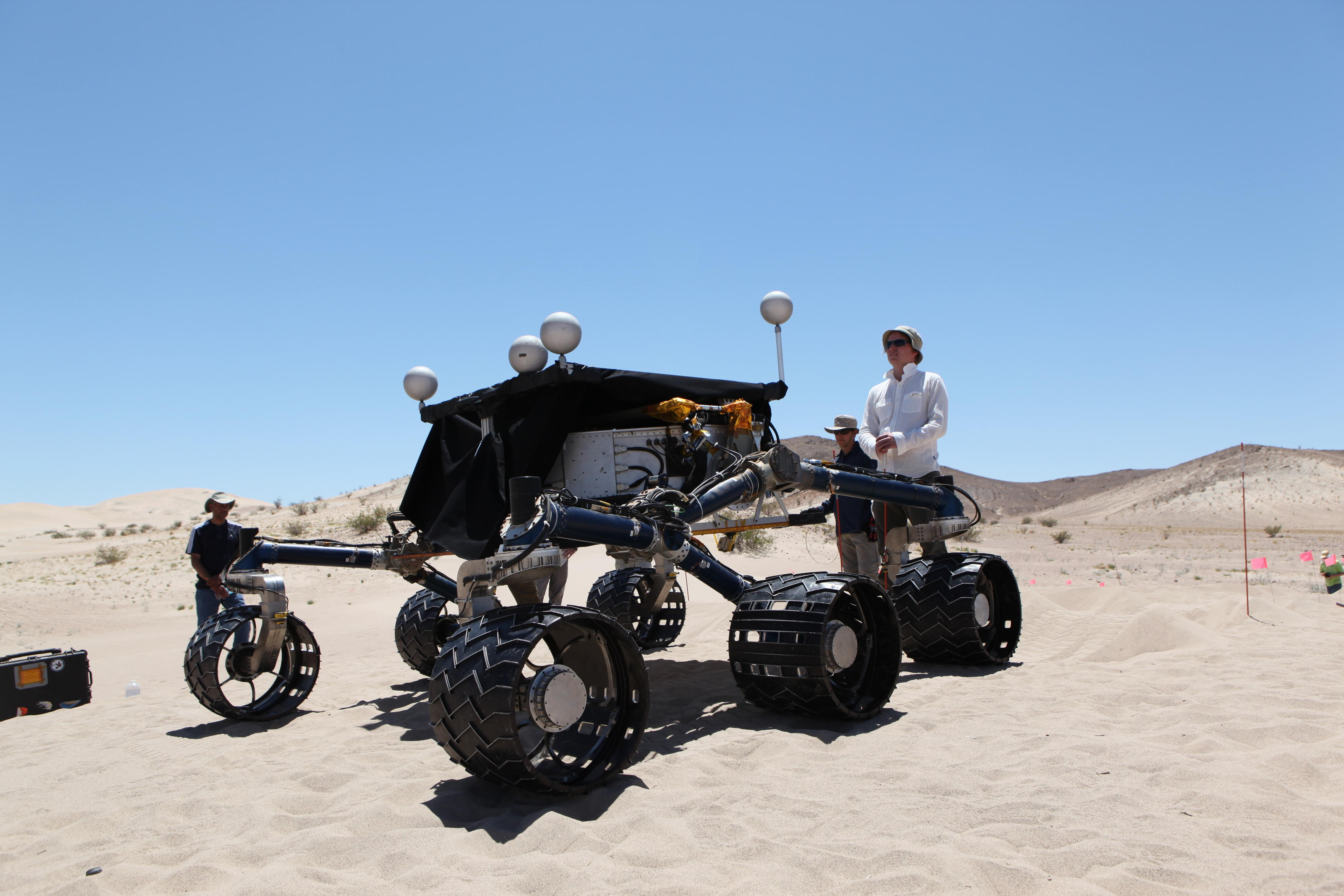 mars rover, desert, dune, test, Scarecrow - Waiting on the sand for its test drive to support Mars rover Curiosity is the car-size Scarecrow rover.