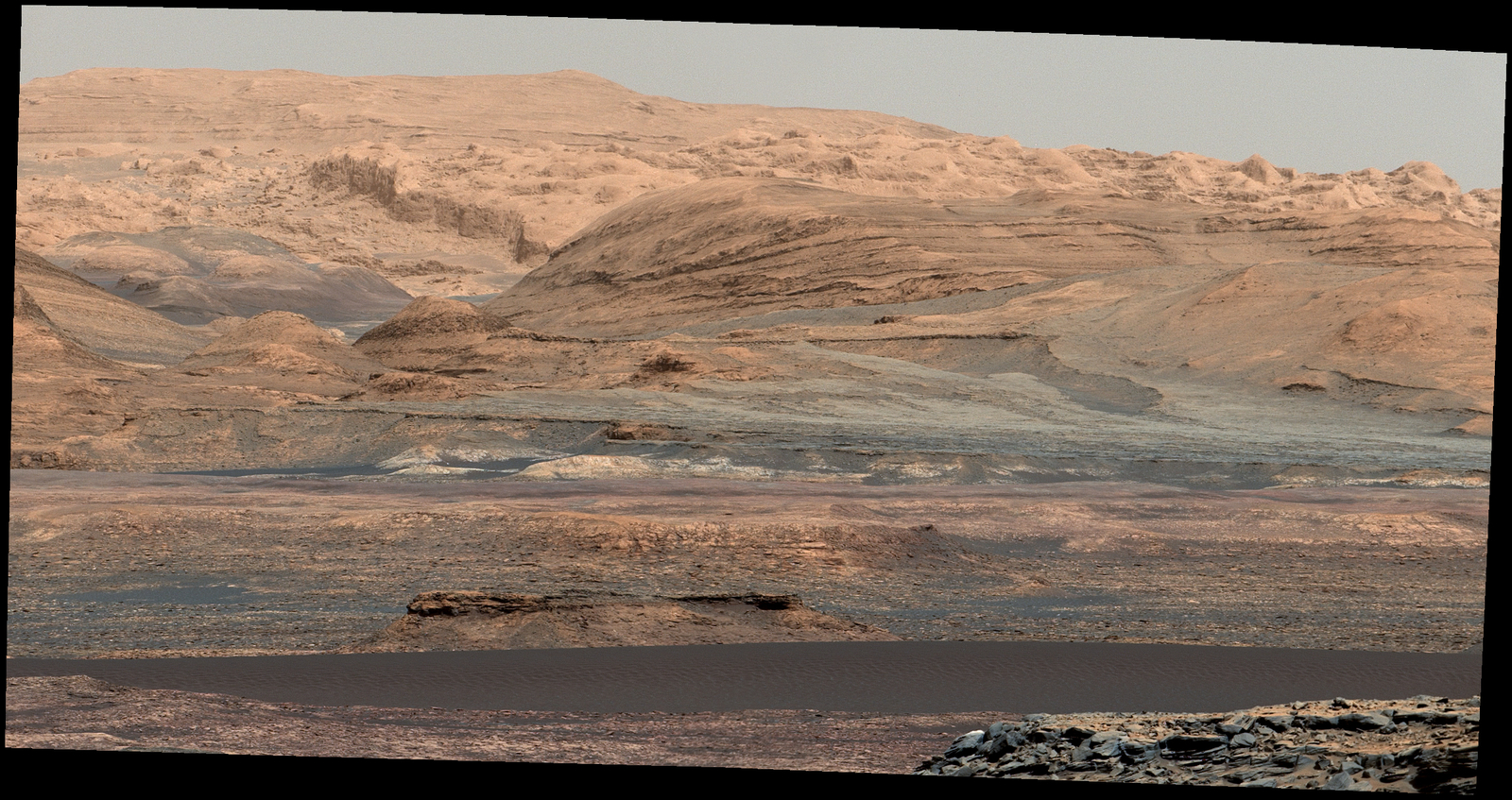 Glimpse of 'Bagnold Dunes' Edging Mount Sharp
