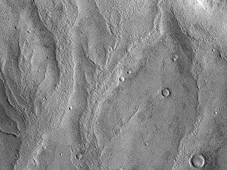 Kaiser Crater Gullies