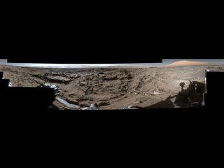 Imagen de vista de círculo completo de 'Naukluft Plateau' en Marte