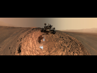 Imagen del autorretrato de ángulo bajo de Curiosity en el sitio de perforación 'Buckskin'