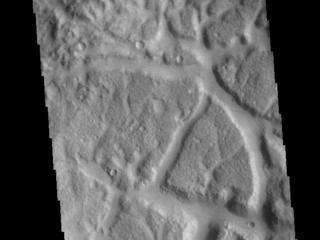de Vaucouleurs Crater