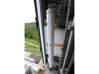Mars 2020 Solid Rocket Boosters Lift and Mate