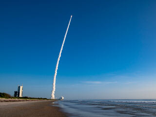 Beachside View: Mars 2020 Launch